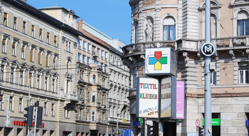 Фото Ibis Budapest City 3*