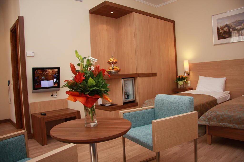 Фото The Three Corners Hotel Bristol Венгрия
