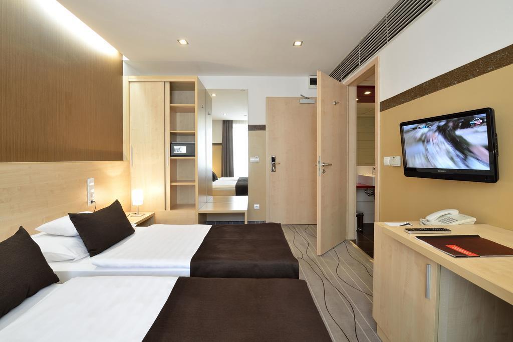 Фото Promenade City Hotel 3*