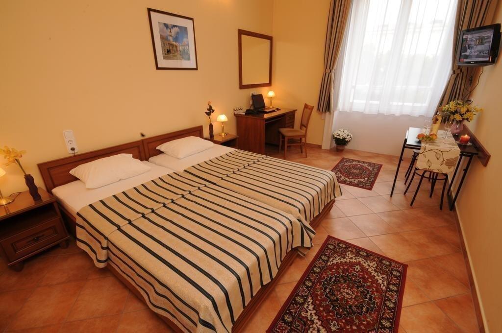 Фото Hotel Museum Budapest 4*