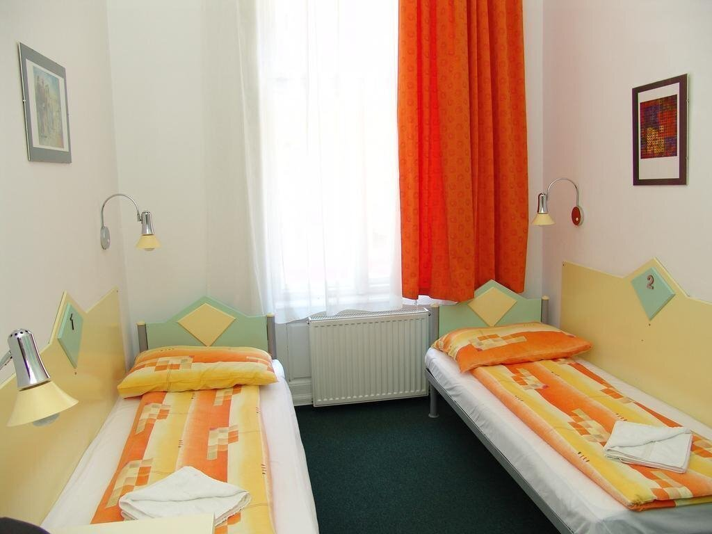 Фото Marco Polo Top Hostel 2*