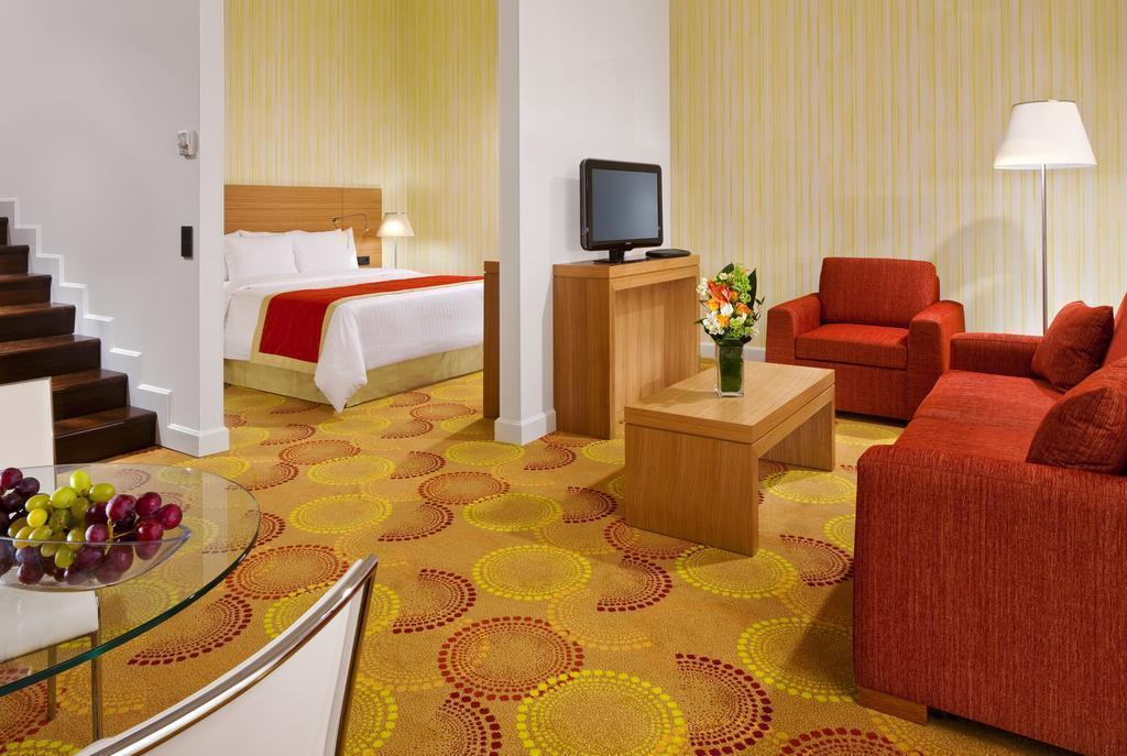 Фото Courtyard By Marriott Budapest City Center 4*