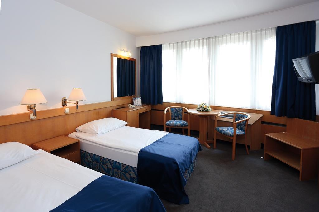 Фото Danubius Hotel Budapest 4*