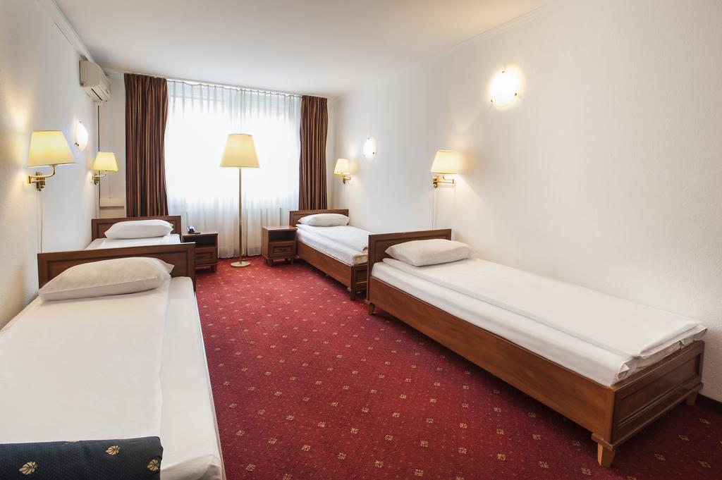 Atlas Hotel Будапешт