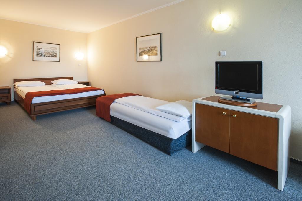 Отель Atlas Hotel Венгрия Будапешт