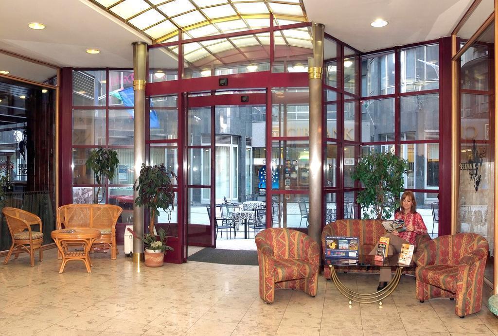 Фото City Hotel Pilvax 3*
