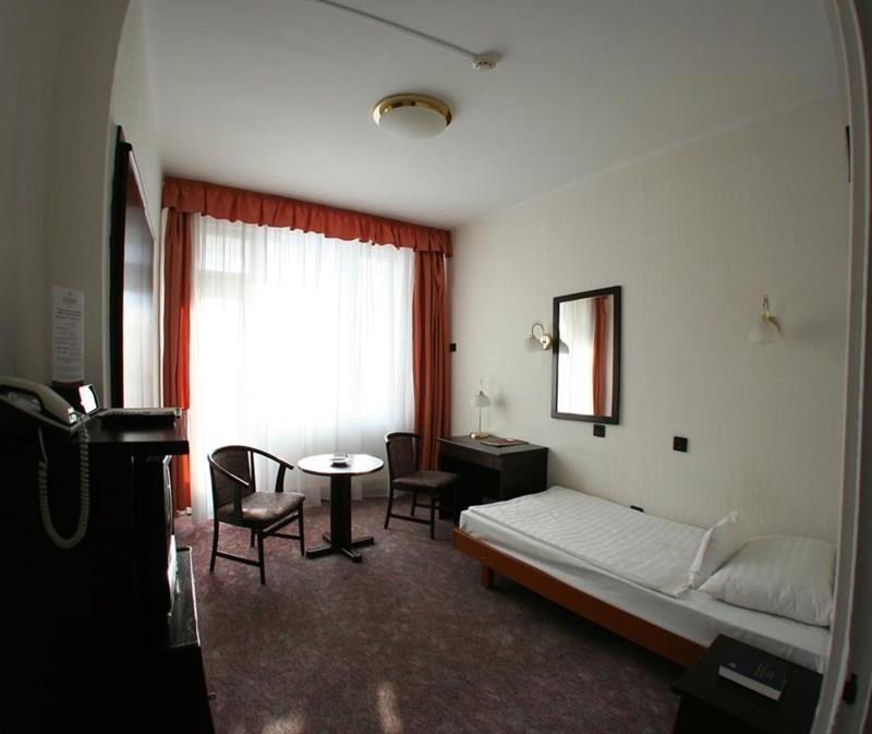 Hunguest Hotel Nagyerdo Дебрецен