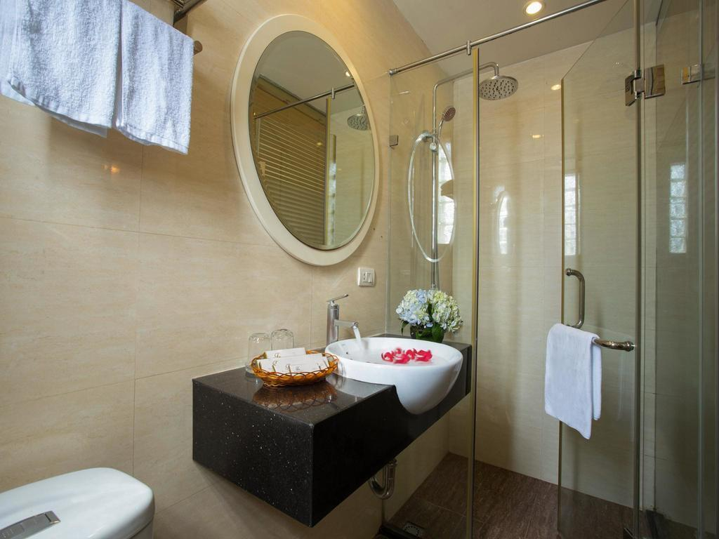 Фото Tu Linh Palace Hotel 2 Вьетнам Ханой
