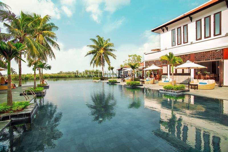 Фото Hoian Beach Resort Хой Ан
