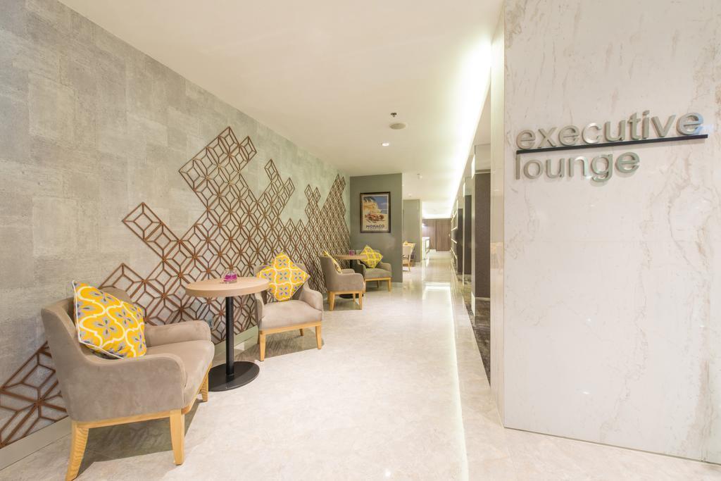 Отель Eastin Grand Hotel Saigon Хошимин