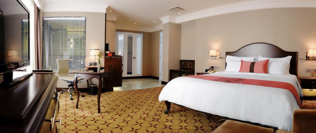Eastin Grand Hotel Saigon Хошимин