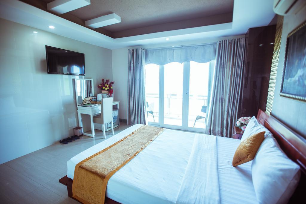 Отель Viet Ha Hotel Нячанг