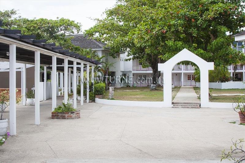 Grand Port Royal Marina & Spa Hotel