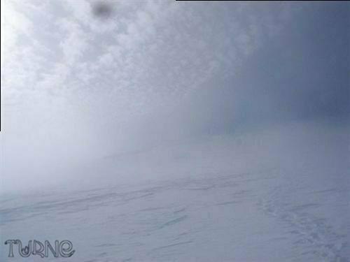 Фоторепортаж: 8-го марта в Украине снега по шею насыпало!